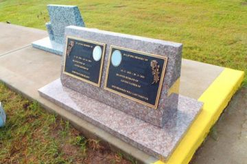 Pink-Granite-double-2-x-brass-plaques-500x