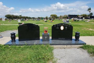 full-size-grandee-granite-base-2-black-granite-headstones-bronze-lamp-1600px